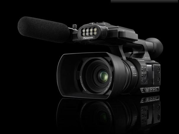 Panasonic представила одноматричный Full-HD камкордер AG-AC3
