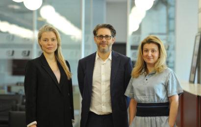 Экс-директор BBC провёл переговоры о копродукции с руководством компании «Амедиа Продакшн»