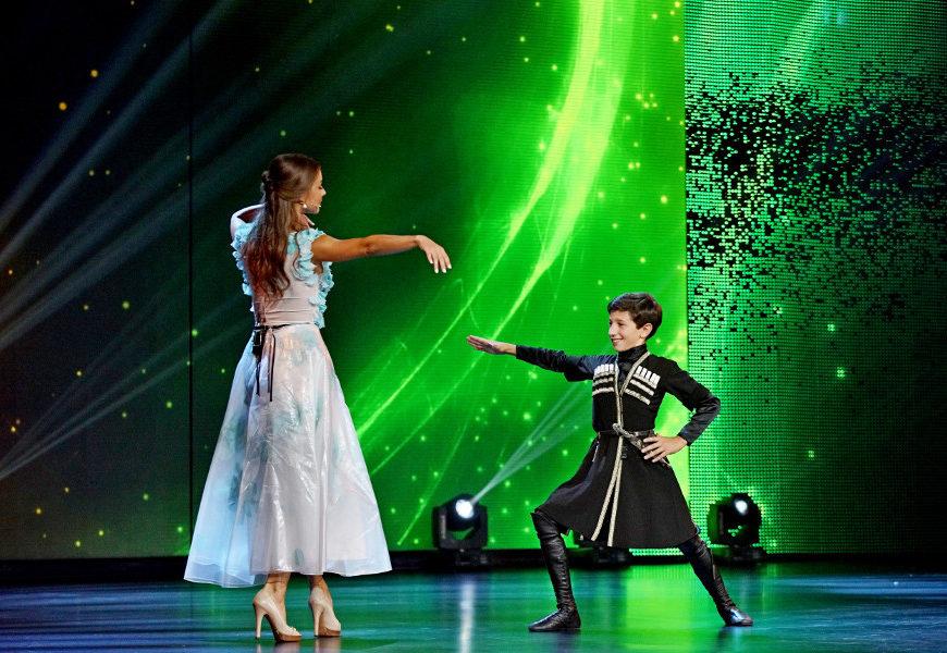 Победительница «Ты супер!» Валерия Адлейба поддержала друга в проекте «Ты супер! Танцы»